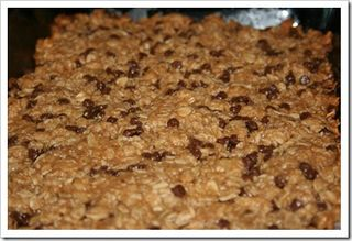 PB Chocolate Chip Granola Bars