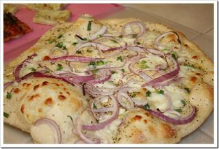 red onion pizza