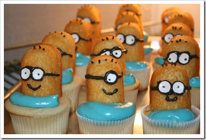 minion cupcakes 010